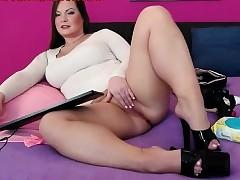 Hot Curvy Webcam Doll Ill feeling The brush Pussy